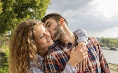 Jautriausios moters kūno vietos, kur bučiuoti?